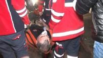 Yangına Müdahale Ederken Fenalaşan İtfaiye Eri Hastaneye Kaldırıldı