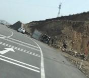 Bingöl'de Kamyon Devrildi, Sürücü Hafif Yaralandı