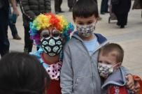 Boyabat'ta Çocuklara Özel Ramazan Sokak Gösterileri