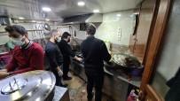 Lokanta Ve Turizmci Esnaflardan Vatandaşlara İftar Yemeği