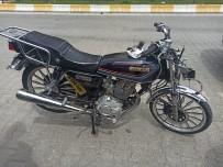Motosiklet Yayaya Çarptı Açıklaması 2 Yaralı