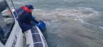Çanakkale'de Teknesi Batan Şahsı Sahil Güvenlik Ekipleri Kurtardı