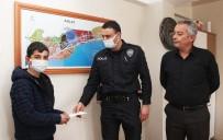 Çocuk Yerde Bulduğu Parayı Polise Teslim Etti