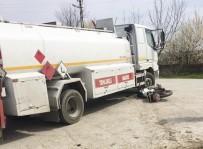 Motosiklet İle Tanker Çarpıştı Açıklaması 1 Yaralı