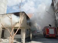Siirt'te Metruk Ev Kimliği Belirsiz Kişilerce Ateşe Verildi