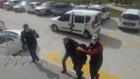 Tekirdağ'da Atatürk Büstlerine Yazı Yazan Şahıs Tutuklandı
