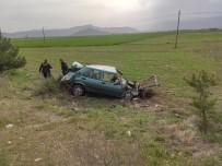 Bucak'ta Otomobil Tarlaya Uçtu Açıklaması 1 Yaralı