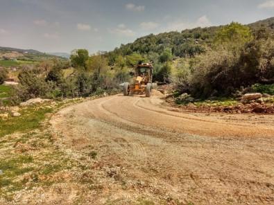 Tarsus'ta Yol Bakım Ve Onarım Çalışmaları Aralıksız Sürüyor