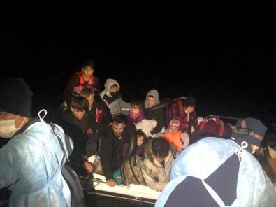 Çanakkale Açıklarında 18 Göçmen Ölümden Döndü