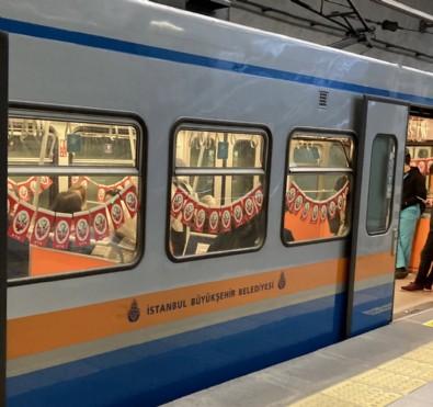 İBB'den, metrolara Atatürk bayrakları