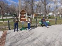 Kafkas Üniversitesi Öğrencilerinden 'Her Yerde Kitap' Projesi