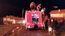 Kastamonu'da Geceyi Alevler Aydınlattı Açıklaması 2 Ev, 3 Ahır Küle Döndü