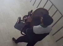 Osmaniye'de Bebek Arabası Hırsızlığı Kamerada