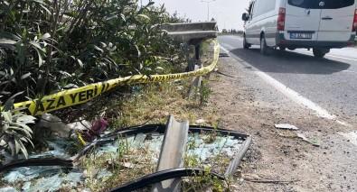 Şanlıurfa'da Otomobil Bariyerlere Çarptı Açıklaması 1 Ölü, 2 Yaralı
