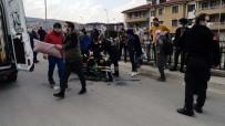 Şehir Merkezinde Pala Ve Silahlı Dehşet Açıklaması 1 Yaralı