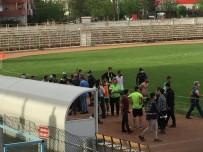 Seyircisiz Maçta Olay Çıktı Açıklaması Futbolcular Birbirine Girdi