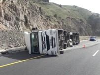 Tercan'da Trafik Kazası Açıklaması 1 Yaralı