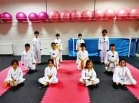 Yunusemre Belediyespor Geleceğin Şampiyon Tekvandocularını Arıyor