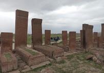 Ahlat'ta 'Tarihin Görgü Tanıkları Ayağa Kalkıyor' Projesi