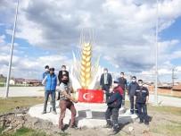 Altıntaş'ta ''Başak Temalı Kardeşlik Anıtı''
