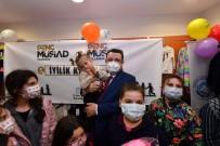 Başkan Genç, 23 Nisan Öncesi Çocukları Sevindirdi