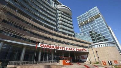 CHP'de asansör skandalı yüzünden personel kalp krizi geçirip vefat etti