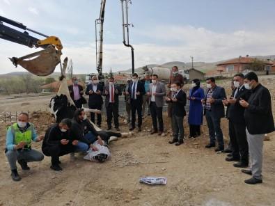 Çiçekdağı İlçesinde Belediye Binası Ve Kültür Merkezi Temeli Atıldı