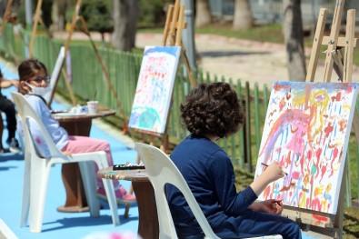 Çocuklar Hayallerindeki 23 Nisan'ı Resmetti