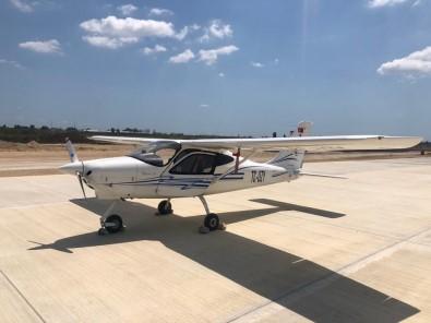 Eğitim Uçağı, İnşaatı Süren Çukurova Havalimanına Acil İniş Yaptı