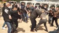 Köylüler İle Muhtar Tekme Tokat Kavga Etti