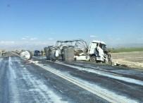 Süt Tankeri Kaza Yaptı, Tonlarca Süt Yola Döküldü