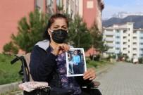 Tekerlekli Sandalyeye Mahkum Anne 1 Yıldır Oğlunun Yolunu Bekliyor