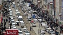 Yüksekova'da 3 Günlük Kapanma Öncesi Yoğun Karabalık