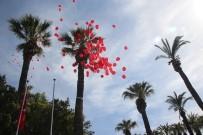 Balonlar Çocuklar İçin Göye Yükseldi