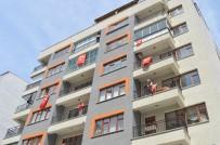 Eskişehirliler Balkon Ve Pencerelerini Bayraklarla Donattı