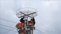 Leylek Teleflerine Karşı Direklere Platform Çalışmaları Sürüyor