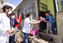 (Özel) Gönüllü Doktorlardan Köy Çocuklarına 23 Nisan Hediyesi