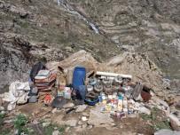 Tatvan'daki İki Sığınağın İçinde 5 Adet El Bombası Ele Geçirildi