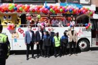 Yalova'da Çocuklara 23 Nisan Otobüsü Sürprizi