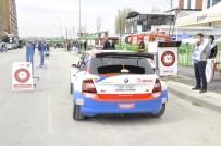 'Evofone ESOK Rallisi' İçin Araçlar Servis Alanından Çıktı