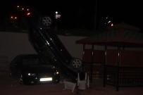 Kayseri'de Bir Garip Kaza Açıklaması Otoparka Düşen Otomobil Dik Durdu