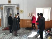 Camiler Ve Kur'an Kurslarının Duvarları Hat Sanatıyla Süsleniyor