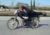 Kısıtlamada Motosikletle Yüzüstü Son Sürat Tehlikeli Yolculuk