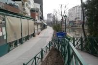 Kızaran Eskişehir'in Caddelerinde Hafta Sonu Sessizliği