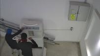 Engelli Asansörüne Zarar Veren İki Genç Kamerada