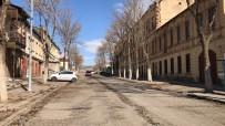 Kars'ta Caddeler Sessizliğe Büründü