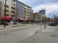 Kırşehir'de Bir Günlük Sokağa Çıkma Kısıtlamasına Uyuluyor