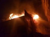 Kahramanmaraş'ta Hurda Deposunda Yangın