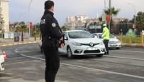 Şanlıurfa'da Araç Başında Telefon Kullanan Yandı