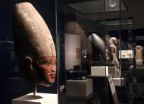 Ulusal Mısır Medeniyeti Müzesi'nde Yeni Nakledilen 22 Firavunun Mumyası Sergileniyor